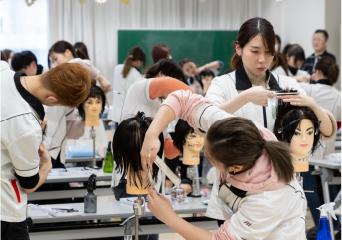 美容師免許取得に特化!